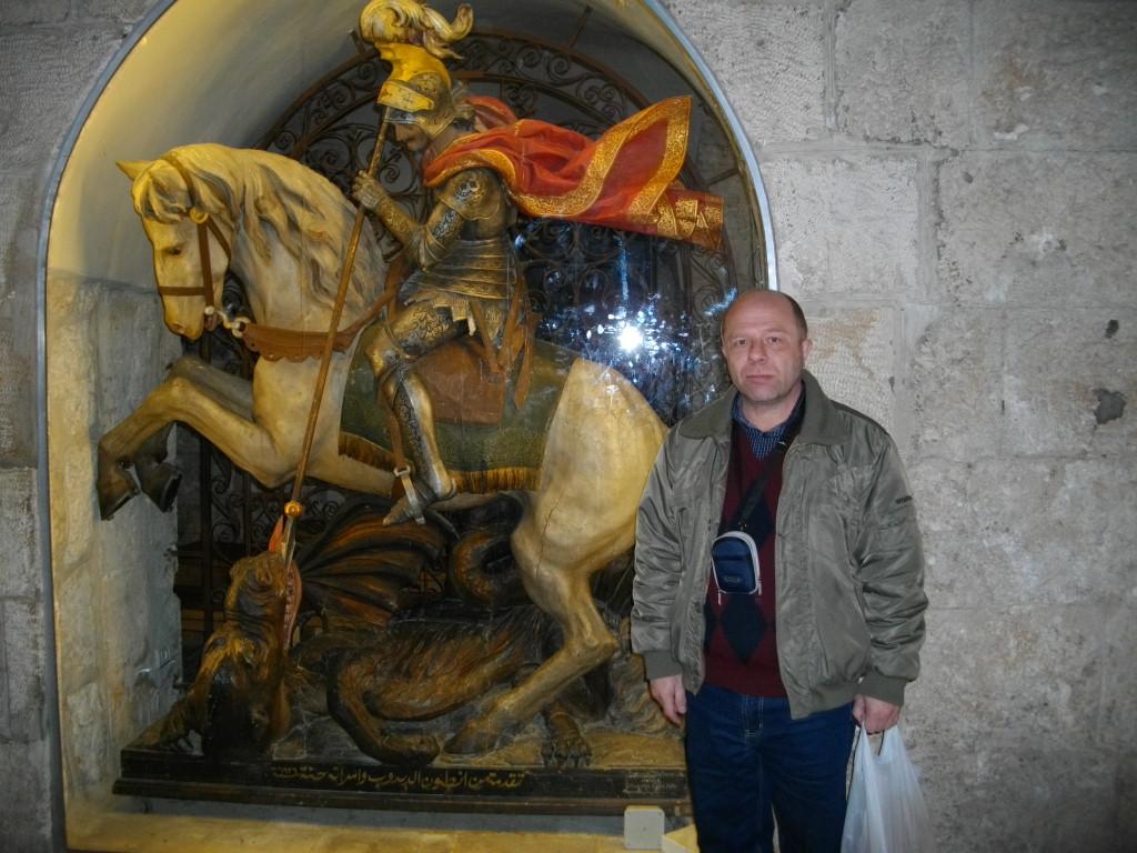 Я возле своего покровителя Георгия Победоносца