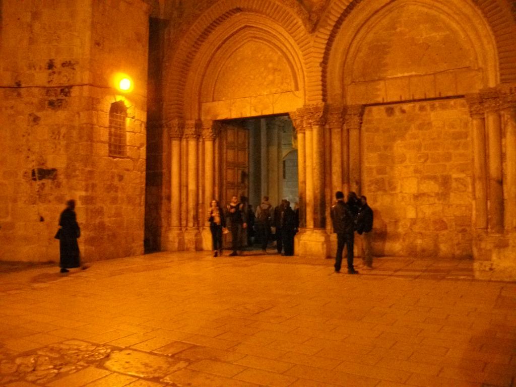 Место распятия и воскресения Иисуса Христа
