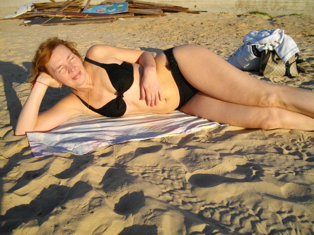 Аня на пляже в Бат-Яме