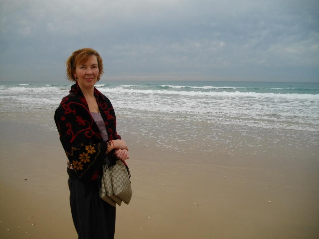 Аня на берегу моря