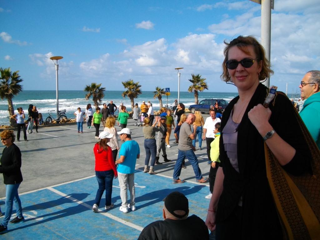 Аня на набережной в Бат-Яме