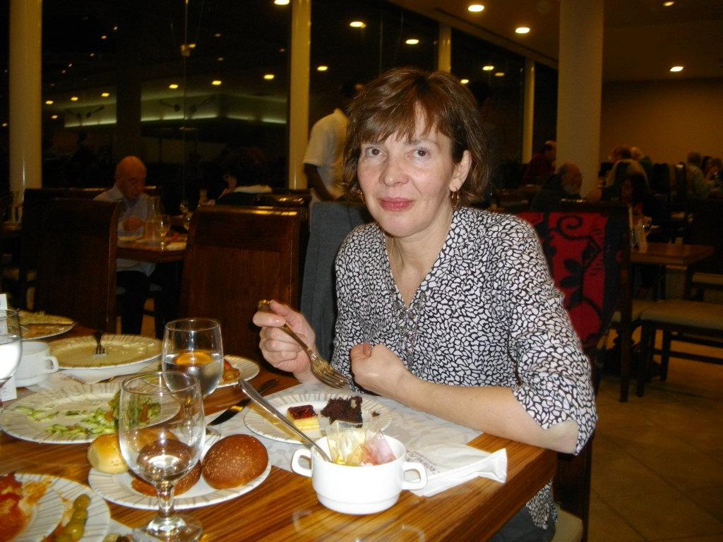 Аня в ресторане отеля на Мертвом море